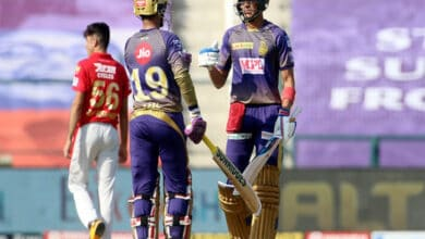 Photo of IPL 2020: Dinesh Karthik and Shubman Gill take KKR to 164/6
