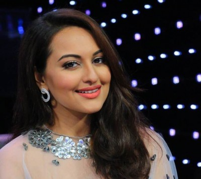 Sonakshi on brother Luv Sinha contesting polls: We need youth and good people