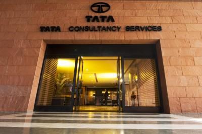 TCS' Q2 consolidated net profit logs 7% fall