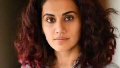 Photo of Taapsee indulges in viral 'biggini shoot' song with sisters