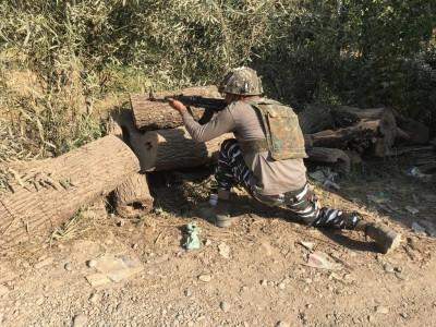 Terrorist associate caught during gunfight in Kashmir