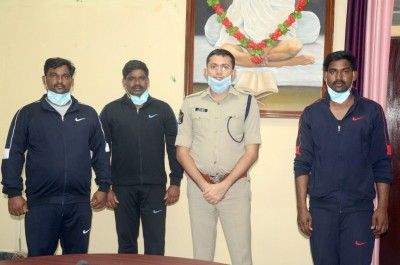 Three Andhra abductees from Libya return home safe