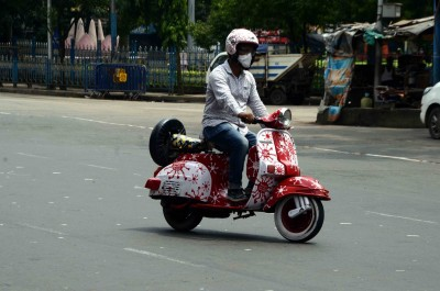 Two-wheeler riders without helmet to face strict action in K'taka