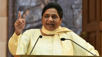 Photo of Mayawati raises concern over DM threatening Hathras victim's family