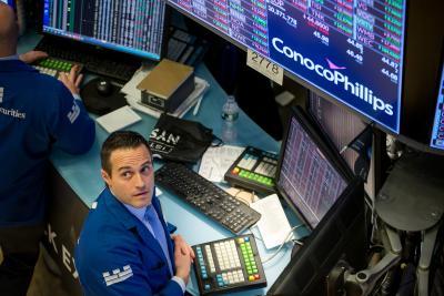 US stocks drop amid concerns over stimulus