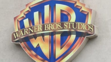 Photo of Warner Bros. TV Chairman Peter Roth to step down in early 2021