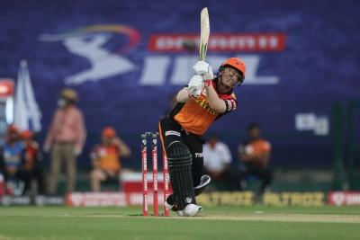 Warner shatters Kohli's record to score fastest 5K runs in IPL