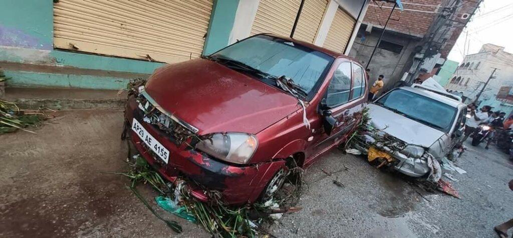 हैदराबाद की बारिश: बारिश से इलाके जलमग्न हो गए, घरों, वाहनों को तबाह कर दिया 6