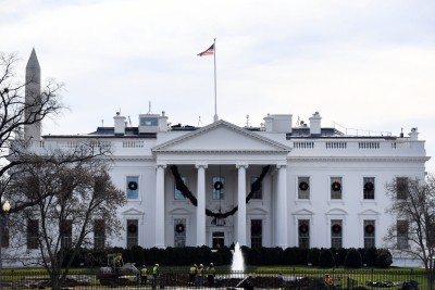 White House, Twitter deny Trump's account was hacked