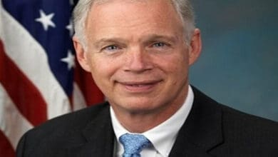 Photo of Third US Senator tests positive for COVID-19