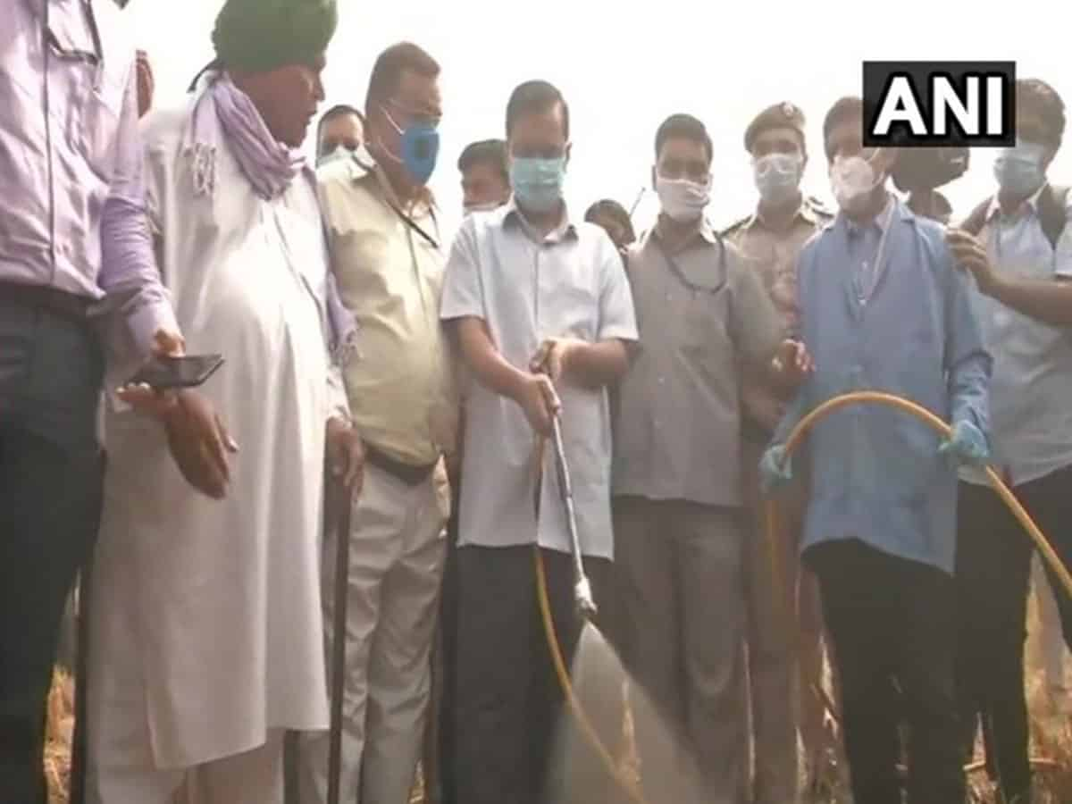 Kejriwal launches scheme to convert stubble into compost
