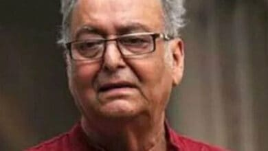 Photo of Veteran Bengali actor Soumitra Chatterjee tests positive for COVID-19
