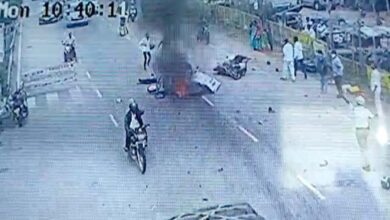 Photo of Speeding car rams into bike, man killed while on the way to marriage