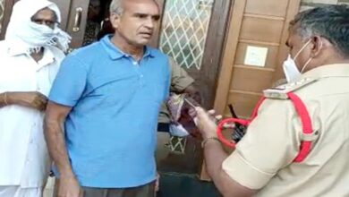Photo of Dubbak by-polls: Police raid BJP candidate Raghunandan Rao's house
