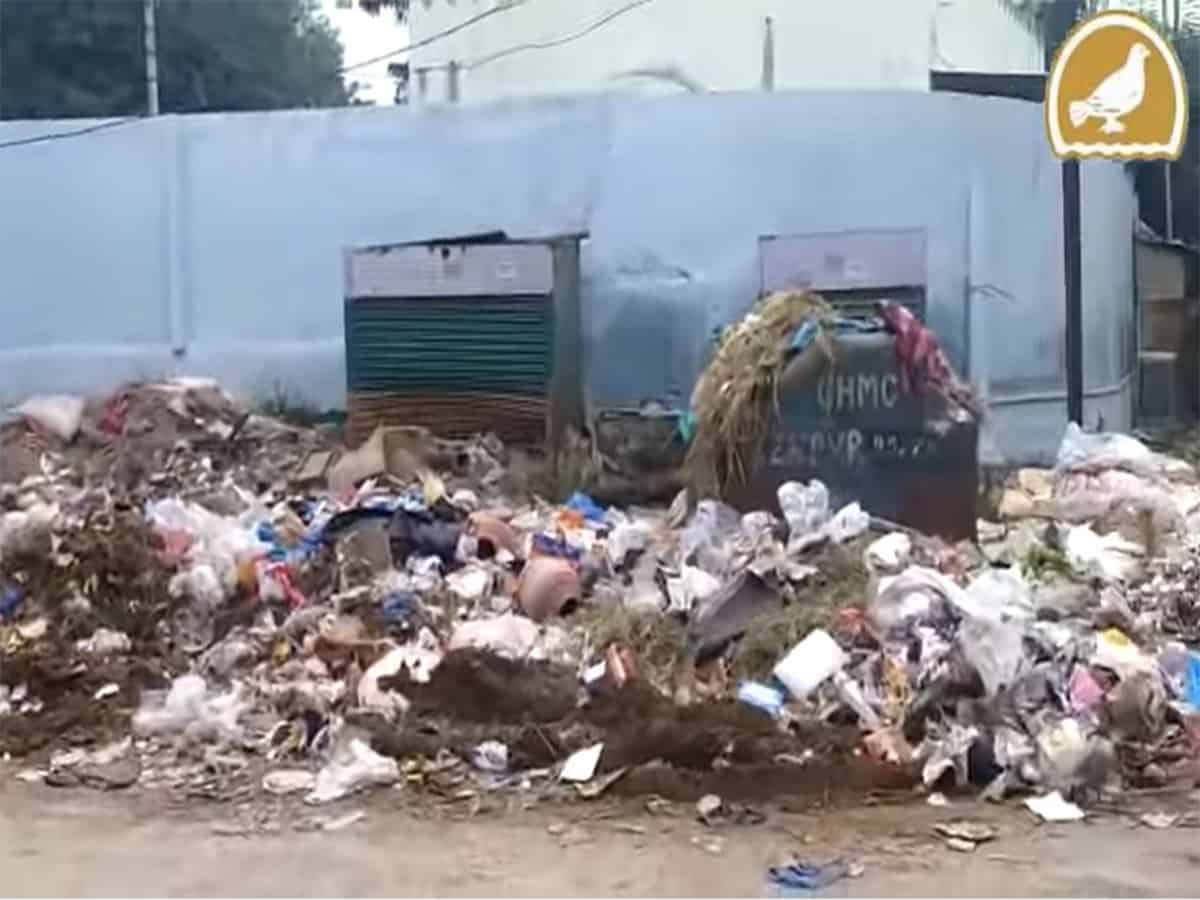 Piles of garbage left unattended on roads; adds to commuters' woes