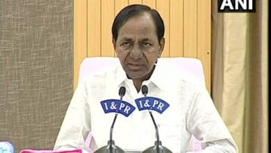 Photo of KCR thanks Mamata Banerjee for contribution towards flood relief work