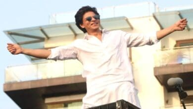 Photo of SRK's epic reply to a fan who asked him if he plans to sell Mannat