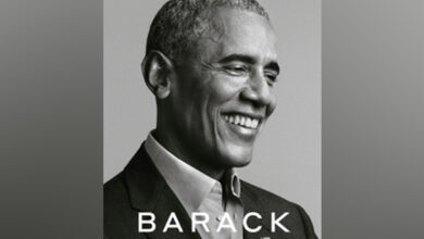 Photo of Obama's newly-released memoir breaks first-day sales record