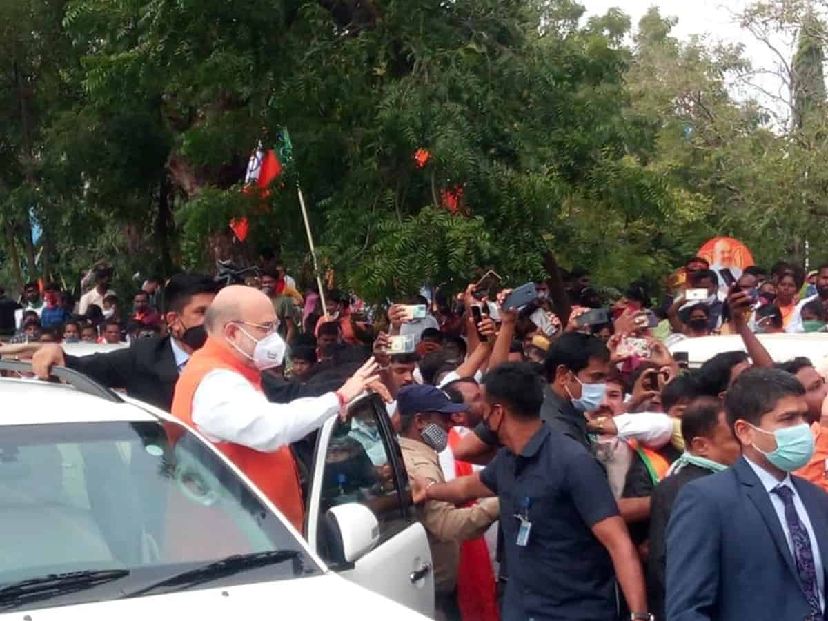 Amit Shah reaches Hyderabad for roadshow, offers prayers at Bhagyalakshmi Temple