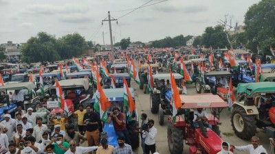 Odisha Congress holds tractor rally against farm laws