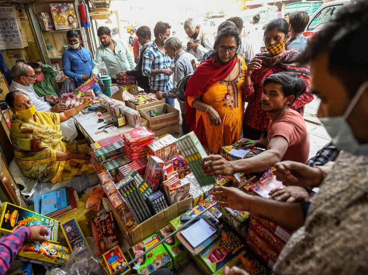 Firecrackers at market despite ban