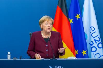 2nd lockdown could be possible wave-breaker, says Merkel