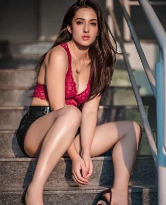 Aditi Budhathoki on starring in Amaal Mallik's music video
