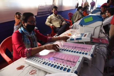 Bihar Phase II: 8.02% polling in two hours (2nd Ld)