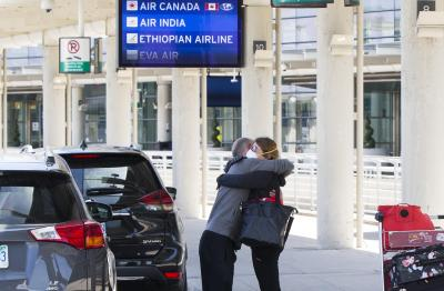 Canada extends int'l travel restrictions