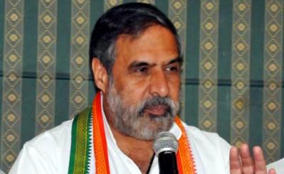 Congress on backfoot as Anand Sharma praises PM Modi