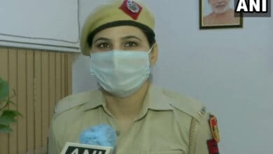 Photo of Delhi woman cop promoted for tracing 76 children in 3 months
