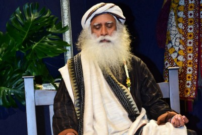 Covid vaccine be given first to vulnerable sections: Sadhguru
