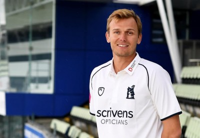 Danny Briggs joins Adelaide strikers