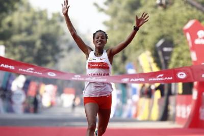 Delhi Half Marathon: Walelegn, Yehualaw set course records