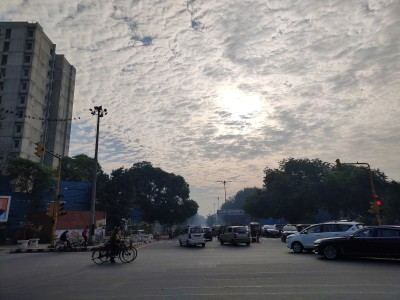 Delhi's temperature to dip to 10 degrees Celsius on Tuesday