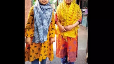 Photo of Mumbai tailor's 'little' daughters walk tall with big dreams of becoming doctors