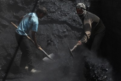 ECL official dies during CBI raid in coal-smuggling racket case (2nd Ld)