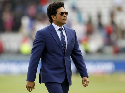 Early sunset these days in UAE has made chasing easier: Tendulkar