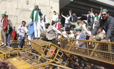 Farmers dig in heels, continue to rally on Delhi borders as more join in