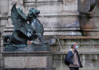 France envisages gradual lockdown exit: Official