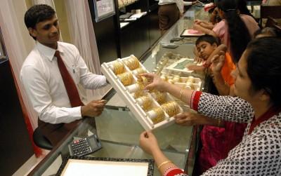 Jeweller confidence revives on festive demand hopes for gold