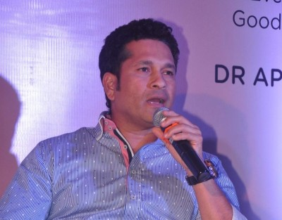 Make helmet mandatory for batsmen: Tendulkar