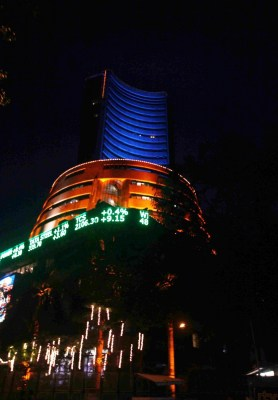 Muhurat session: Indices touch new highs, banking, auto stocks rise (Ld)