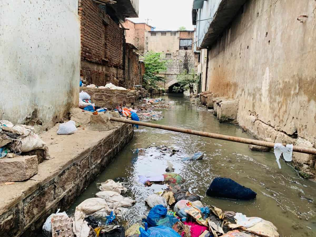 GHMC Elections: Residents of Talabkatta are waiting for basic amenities