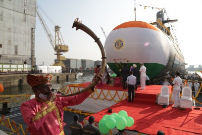 Navy's 5th Scorpene submarine launched in Mumbai (Ld)