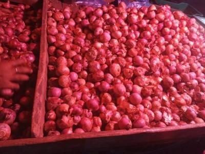 No respite from rising onion prices till Dec, potato prices decline