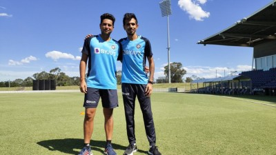 Plane crashes 30km from Indian cricket team hotel in Sydney