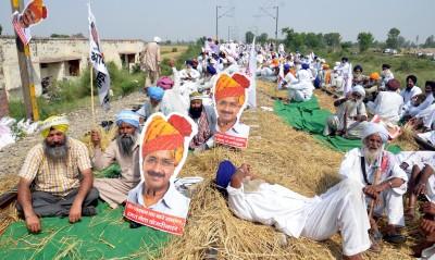 Punjab farmers' agitation cost Railways a whopping Rs 2220 cr