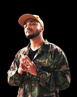 Raftaar suggests meme pages to use a certain photo of him