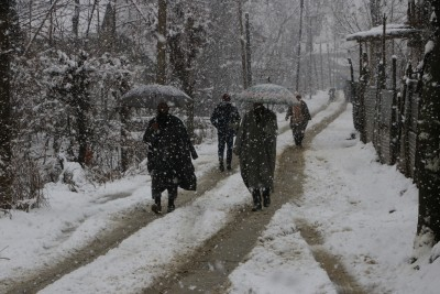 Rain, snow across J&K raise night temperatures